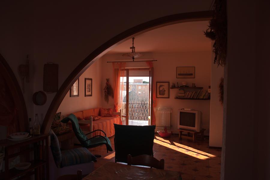 FOLLONICA-Salotto1